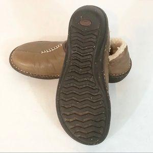 UGG Shoes - UGG Australia Camel Bettey